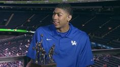 NCAAB:  Anthony Davis wins Wooden Award    Kentucky Wildcats freshman Anthony Davis was named winner of the Wooden Award Saturday as the nation's top player.He is the second freshman to win; Kevin Durant won it with Texas in 2007.    keepinitrealsports.tumblr.com    keepinitrealsports.wordpress.com