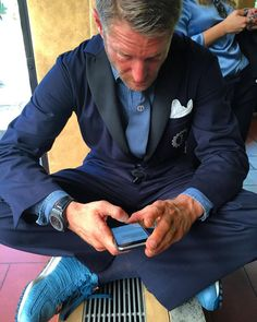 #LapoElkann Lapo Elkann: Thanks for all your sweet sweet birthday messages!! Yesterday has been a great day!