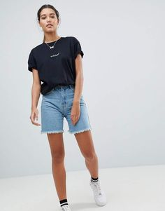 Missguided Longline Denim Shorts Source by shorts outfits Bermuda Shorts Outfit, Denim Shorts Outfit, Modest Shorts, Ripped Shorts, Summer Shorts, Nike Shorts, Long Jean Shorts, High Waisted Shorts, Short Jeans