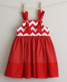 Winter  2012 BLAIRE knot dress 12mo. 18mo. 2t. 3t. 4t. 5t. $35.00, via Etsy. cute style