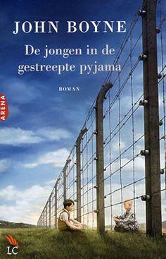 """Boek """"De jongen in de gestreepte pyjama"""" van John Boyne   ISBN: 9789022558126, verschenen: 2008, aantal paginas: 204"""
