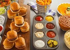 63 Awesome Ways To Serve Burgers At Your Wedding | HappyWedd.com