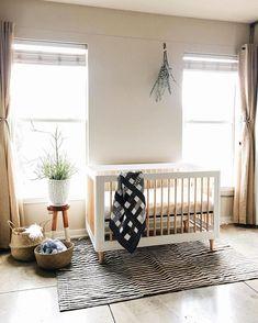 "babyletto on Instagram: ""✨morning glow ☀️ • #babyletto Lolly crib • 📷: nursery designed by mama @ofareverie 💕"" Baby Bedroom, Nursery Room, Child's Room, Nursery Themes, Nursery Decor, Minimalist Baby, Nursery Inspiration, Nursery Neutral, Nursery Design"