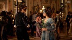 """Romeo (Douglas Booth) e Giulietta (Hailee Steinfeld) - """"Romeo and Juliet"""" (UK movie, 2013)"""