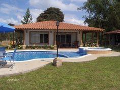 Resultado de imagen para casa campestre con piscina