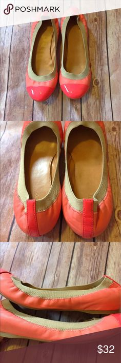 J Crew Pink patent Toe Flats Super cute comfy small scuff on Toe general wear  make me an offer J. Crew Shoes Flats & Loafers