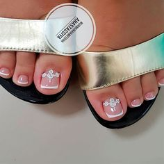 Are you searching for fun and super pretty nail designs for toes? We have a photo gallery featuring the trendiest toe nail designs. Cute Summer Nail Designs, Elegant Nail Designs, Pretty Nail Designs, Colorful Nail Designs, Elegant Nails, Toe Nail Designs, French Pedicure Designs, Pretty Toe Nails, Cute Toe Nails