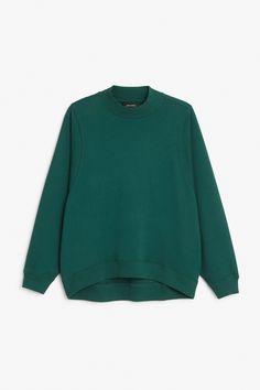 Monki Image 1 of Loose-fit sweater in Green Bluish Dark