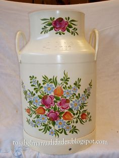 Painted Milk Cans, Old Milk Cans, Diy And Crafts, Crafts For Kids, Wine Painting, Altered Tins, Decoupage Paper, Boho Diy, Bottles And Jars