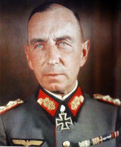 ■ Friedrich Mieth (1888-1944) RKE - KG IV.Armeekorps - General der Infanterie ■ Fuente: Eichenlaubträger 1940-1945, Zeitgeschichte in Farbe II,  Fritjof Schaulen; pág. 106