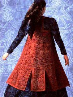 Ζαγορίσια γυναικεία φορεσιά Greek Traditional Dress, Lace Skirt, Greece, Victorian, Dresses With Sleeves, Culture, Costumes, Long Sleeve, Skirts