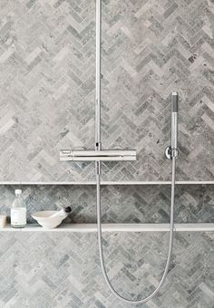 Just Pinned to Salle de bain: I like these shower tiles for the same reasons I like the floor tiles. They are a little different then the floor tiles so it doesn't blend too much. Modern Small Bathrooms, Small Bathroom Tiles, Bathroom Grey, Bathroom Interior, Modern Bathroom, Shower Tiles, Kitchen Tiles, Kitchen Grey, Kitchen Floor
