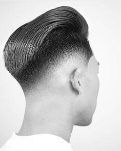 RG: @andrewdoeshair #FRIDAYBARBERGANG #Repost #Style #Fashion #MensHair #MensStyle #MensLook #MensFashion #MensGrooming #HairStyles #HairCuts #HairArt #PhotoArt #LovePhoto #LovePhotography #Model #Modelling #Barber #Barbering #BarberShop #BarberLife #BarberLove #Beard #Beards #Tattoo #Tattoos #TattooArt #InternationalBarbering