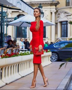 Lady in red Red dress with open . - Lady in red ❤️❤️❤️ Red dress . Red Dress Outfit, Dress Outfits, Fashion Dresses, Red Dress Shoes, Nude Shoes, Classy Outfits, Chic Outfits, Look Fashion, Womens Fashion