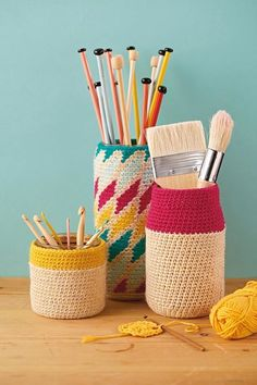 Crochet pot holders by Kat Goldin
