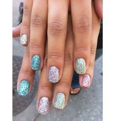 Sparkly nails in the perfect spring colors
