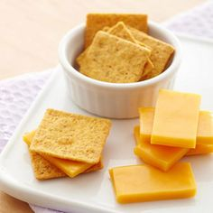 A Week of Delicious Pregnancy Meals and Snacks: Calcium-Rich Snack 1: Crackers and Cheese (via Parents.com)