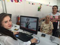 """Maria Soviano nasceu em março de 1919. Aos 97 anos de idade, ela foi ao Poupatempo Catanduva acompanhada pela filha Dalva para tirar seu primeiro RG. """"Saí com cinco anos da Bahia e vim para São Paulo, nunca adquiri o documento. Mas agora estou contente, porque terei meu RG"""", conta."""