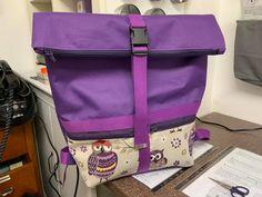 Sac à dos Troïka en toile violette et tissu à chouettes cousu par Sophie - Patron Sacôtin