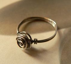 wire ring. i could make this