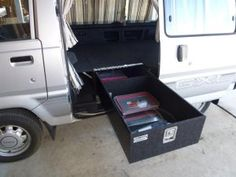 Van-And-Bout-Fit-Outs05