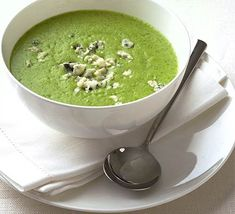 lehčí varianta Broccoli & blue cheese soup recipe - Recipes - BBC Good Food