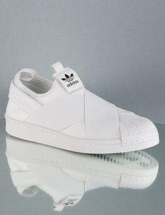 adidas Schuhe: Sneaker und Slipper Damen online bestellen bei ZEITZEICHEN: Kostenfreie Lieferung ab 100 € Bestellwert | Jetzt adidas Slipper entdecken