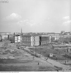 Zdjęcie numer 6 w galerii - Warszawa w latach 70. Pochody, czyny społeczne, neony [GALERIA]