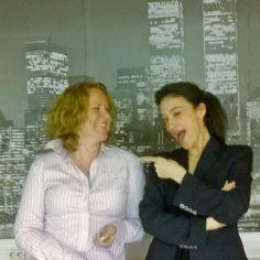 Myynnin ja markkinointiviestinnän asiantuntija Minttu Rikama & käännöstöiden konsultti Linda Sandoval.
