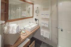 Helles, freundliches Badezimmer des Einzelzimmerappartements Heublume