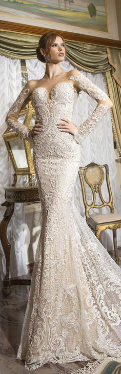 Shabi & Israel Haute Couture 2016 Vintage Lace Wedding Dress / http://www.himisspuff.com/long-sleeve-wedding-dresses/16/