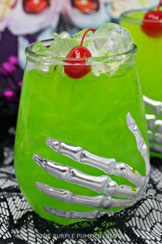 For fans of Hocus Pocus, the Amok Amok Amok! Sanderson Sisters Cocktail is a must-drink this Halloween! Made with fruit juices, rum, apple brandy, and blue curaçao - this twisted concoction tastes magical! #HalloweenCocktails #ThePurplePumpkinBlog Halloween Cocktails, Fall Cocktails, Halloween Party Themes, Bbq Drinks, Beverages, Cocktails Made With Rum, Antipasti Platter, Rainbow Smoothies, Purple Pumpkin