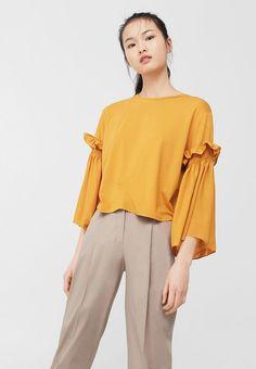 желто-коричневая блузка манго