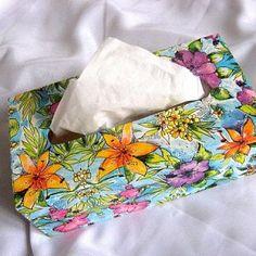 Crini si flori de camp, cutie servetele culori vii model deosebit Horsehair