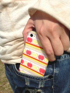 リンゴ柄の横ラインのマスキングテープiPhoneケース。(アイフォンケース) マスキングテープのデザイン性、風合いが楽しめる、手づくり中の手づくりiPhone... ハンドメイド、手作り、手仕事品の通販・販売・購入ならCreema。