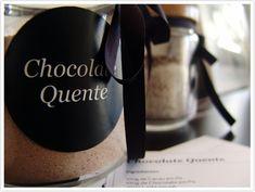 E a Mistura para Chocolate Quente  que segundo a feliz contemplada esta está simplesmente deliciosa!    Ingredientes   100g de Cacau em Pó...