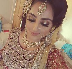 Pinterest: @pawank90 Indian Bridal Fashion, Indian Bridal Makeup, Pakistani Bridal Wear, Bridal Hair And Makeup, Indian Wedding Bride, Desi Bride, Punjabi Wedding, Muslim Women Fashion, Arab Fashion