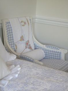 Sweet blue & white gingham chair with white frame; vintage embroidered tablecloth used as a throw. Girl Room, Girls Bedroom, Blue Bedroom, Southern Style Decor, Swedish Cottage, White Cottage, Swedish Style, Creation Deco, Pretty Bedroom