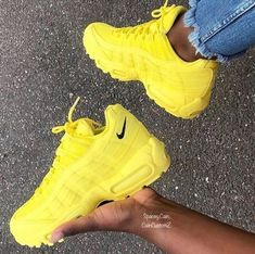 Nike Sneakers for Men & Women Sneaker Outfits, Sneakers Fashion Outfits, Sneaker Heels, Sneakers Outfit Nike, Cute Sneakers, Sneakers Mode, Nike Air Shoes, Aesthetic Shoes, Hype Shoes