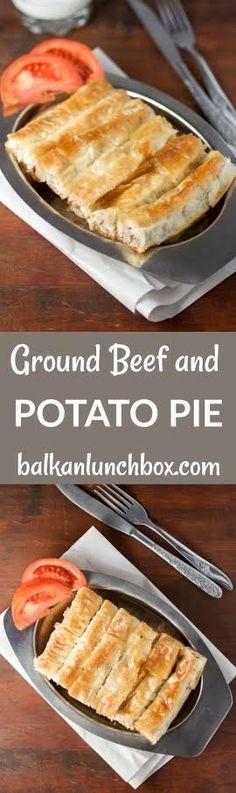 Ground beef and potato pie (slagani sareni burek) Albanian Recipes, Croatian Recipes, Albanian Food, Serbian Food, Phyllo Recipes, Meat Recipes, Minced Beef Pie, Burek Recipe, Ground Beef And Potatoes