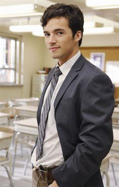"""You can't say you don't find him just the least bit adorable!? Ian Harding - aka Ezra or """"Mr. Fitz"""""""