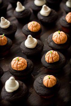 Pumpkin Chocolate Cupcakes with Cream
