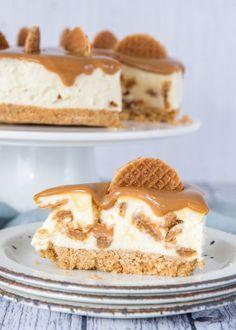 No bake stroopwafel cheesecake – Laura's Bakery - Desserts Brownie Desserts, Oreo Dessert, Mini Desserts, Vanille Cupcakes, Chocolate Blanco, Salty Cake, Food Cakes, Savoury Cake, Mini Cakes