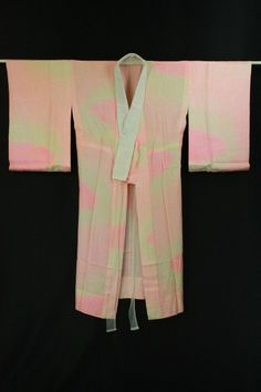 White pink gradation nagajuban / 白×ピンクグラデ地 菊花地紋柄 長襦袢   #Kimono #Japan http://global.rakuten.com/en/store/aiyama/