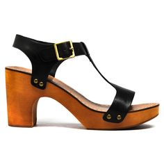 Walta by Top End. Walta by Top End. #topendshoes #cinorishoes #cinori #clog #comfortableshoes #buckle #sandal #comfort #platformclog #timeless #style #fashion #shoes #black Style Fashion, Fashion Shoes, Shoe Brands, Summer 2014, Comfortable Shoes, Clogs, Night Out, Sandal, Platform