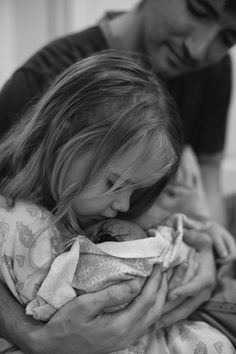 Just BEAUTIFUL (Meeting her sister for the first time. A home birth story Second Street Photography) Birth Pictures, Hospital Pictures, Birth Photos, Newborn Pictures, Baby Photos, Family Pictures, Sibling Photography, Love Photography, Street Photography