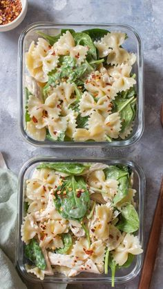This Cold Chicken Spinach Pasta Salad is the perfe&; This Cold Chicken Spinach Pasta Salad is the perfe&; Renee Mallory healthy-recipes This Cold Chicken Spinach Pasta Salad is the perfect […] broccoli fritters Lunch Meal Prep, Meal Prep Bowls, Healthy Meal Prep, Healthy Dinner Recipes, Healthy Eating, Dinner Meal, Healthy Potluck, Potluck Salad, Vegan Recipes