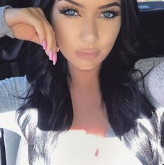 ღ sαℓσмé ∂єsєrτ ღ Instagram Posts, Beautiful Eyelashes, Most Beautiful Women, Fashion Beauty, Glamour, Photo And Video, Makeup, Face, Maquiagem
