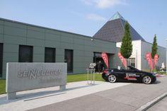 Tolle Event-Location: Die Sennebogen Academy und das Sennebogen Museum in Straubing, Niederbayern. Hier: Markteinführung des neuen Audi Q7, VIP-Veranstaltung der Auto-Familie Ostermeier-Lichtinger. Juni 2015. Moderation: Jeannine Tieling.