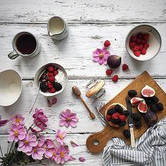 @wheretoget  Sunday morning = Cool Breakfast  // Photo by @hannahargyle